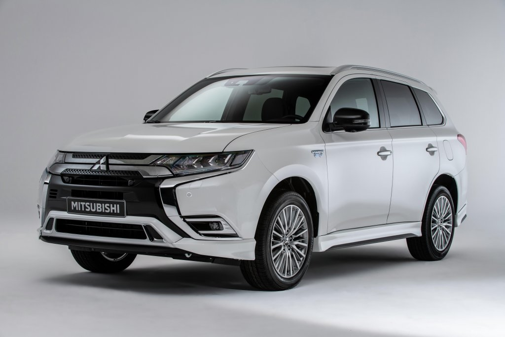 19my_outlander_phev_eu_lhd_a_0004_mid-resolution-jpeg-rev-1-1.jpeg